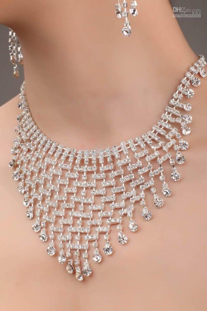Jak oszczędzić na weselu biżuteria