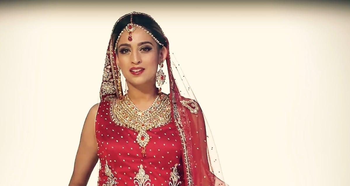 sukienki ślubne Azja
