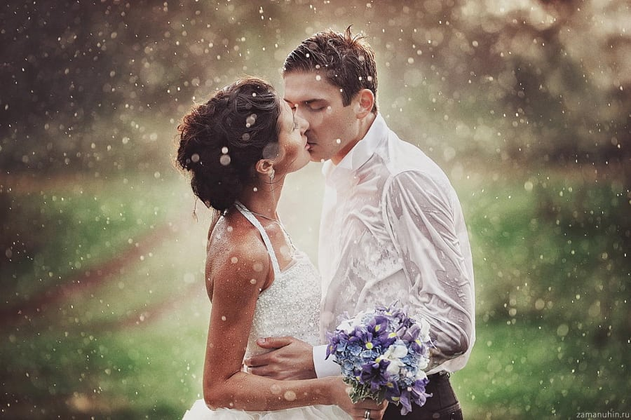 https://www.buzzfeed.com/melissaharrison/beautiful-rainy-day-weddings?utm_term=.ti42Gx3kx#.spKPWewZe