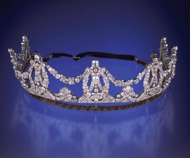 madonnas-tiara1