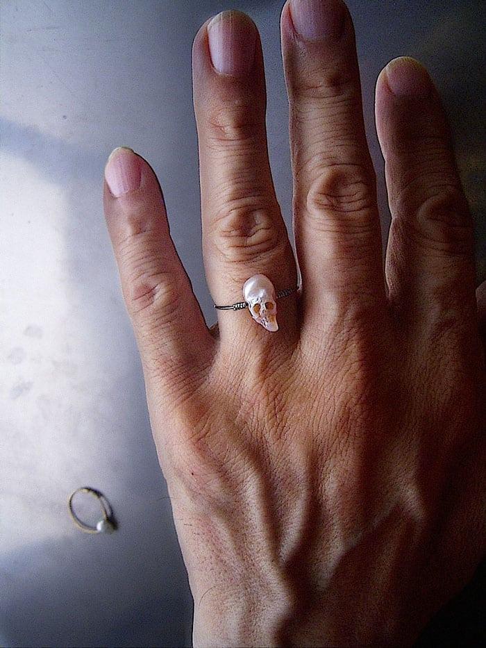 pierścionek z czaszką