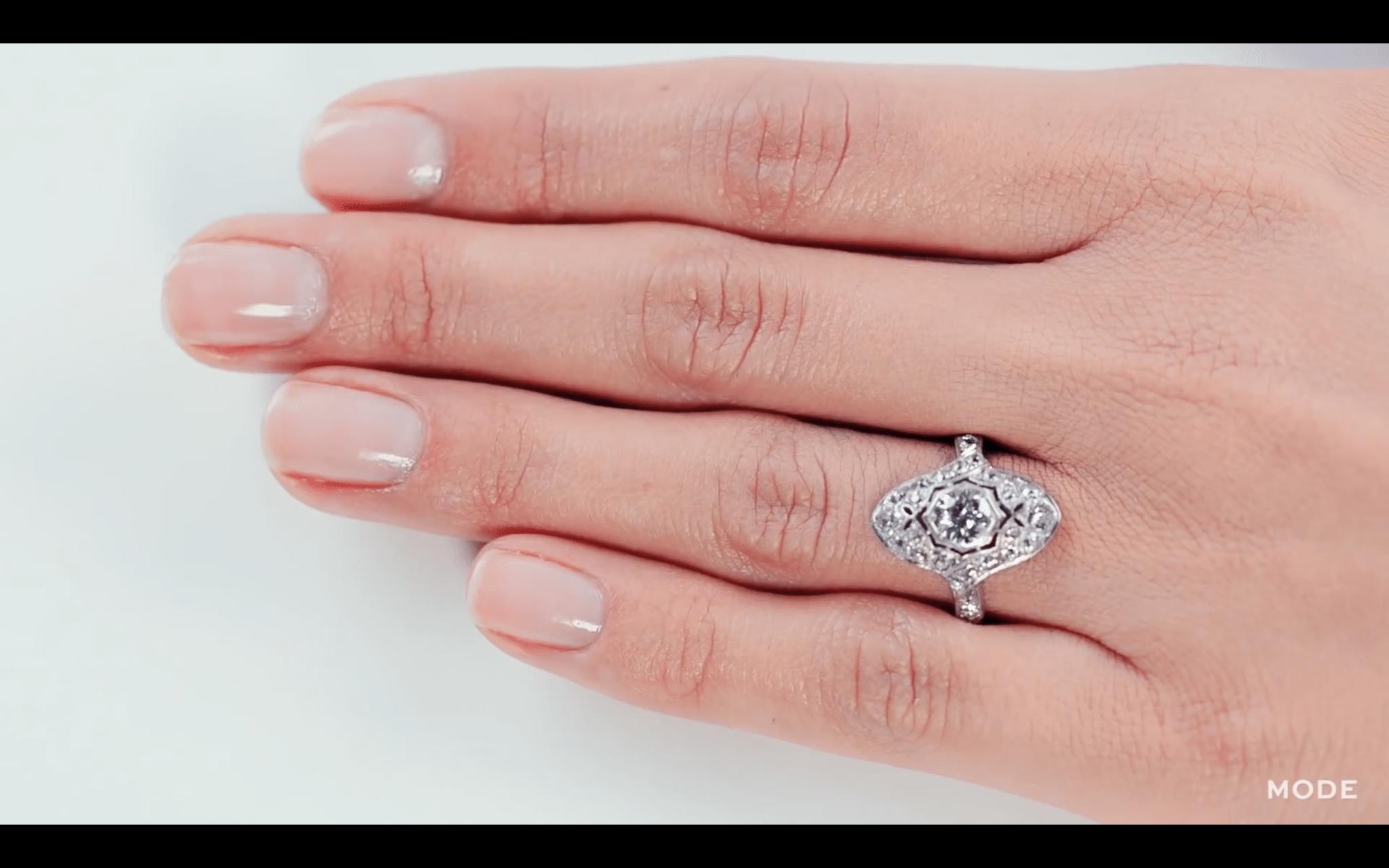pierścionki zaręczynowe historia