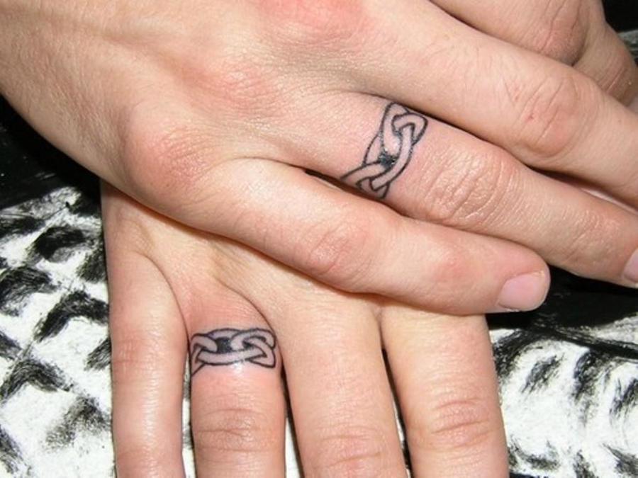 Tattoo-Wedding-Rings-Ideas